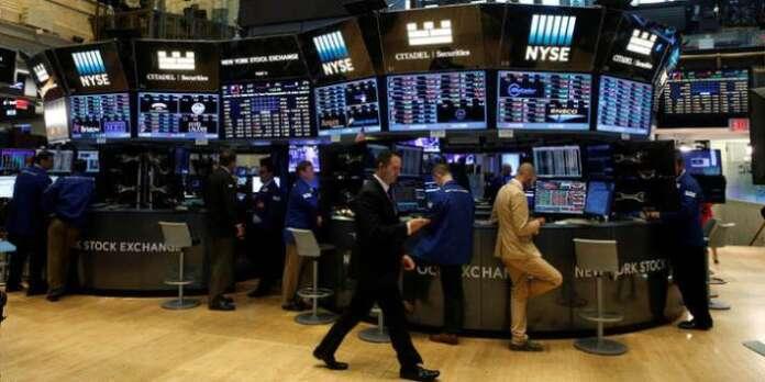 Dow Jones Endeksi Zirvede