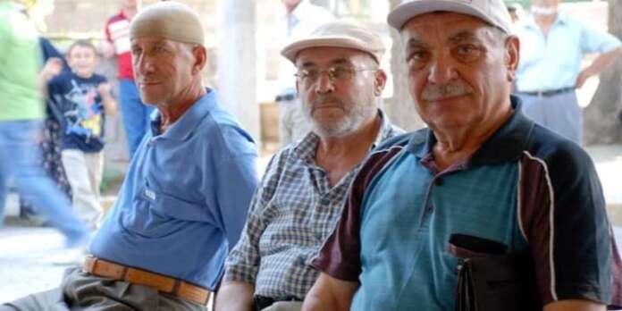 Emekli ve Esnafın Heyecanlı Bekleyişi Sürüyor