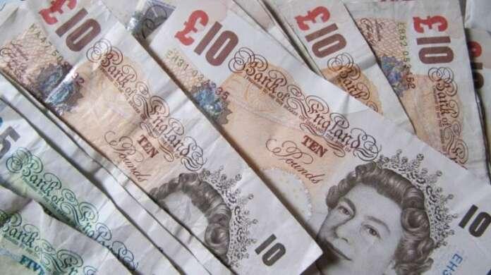İngiliz Sterlini Ekim Ayında Dünyada En Çok Değer Kaybeden Para Birimi Oldu