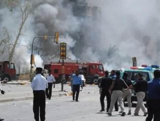 Irak'ta fabrikaya saldırı: 18 ölü