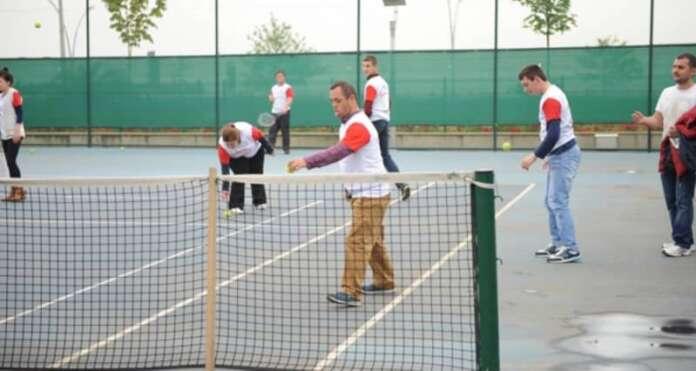 Tenis Oynamak İçin Hiçbir Engel Yok