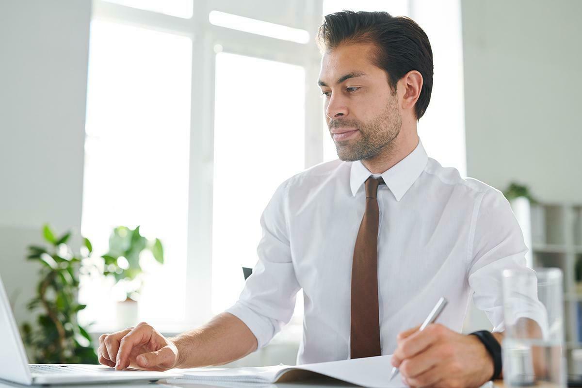 Banka Bilgi İşlem Uzmanı: Sınav Süreci, Görevleri ve Maaşı