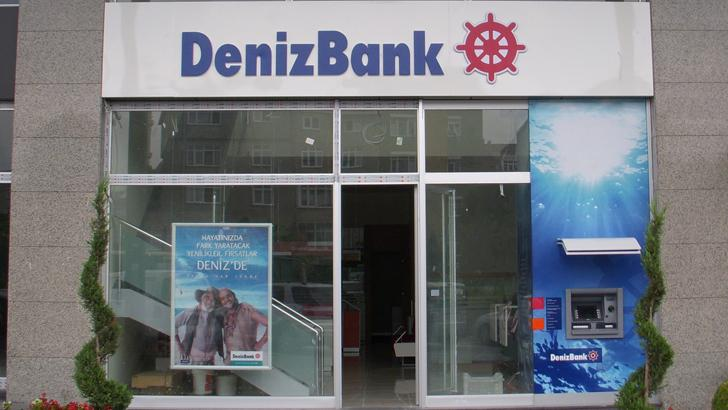 denizbank-alternatif-satis-kanallari-temsilcisi-alimlari-yapiyor