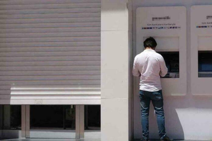 Banka Şubesi Koronavirüs Nedeniyle Kapandı