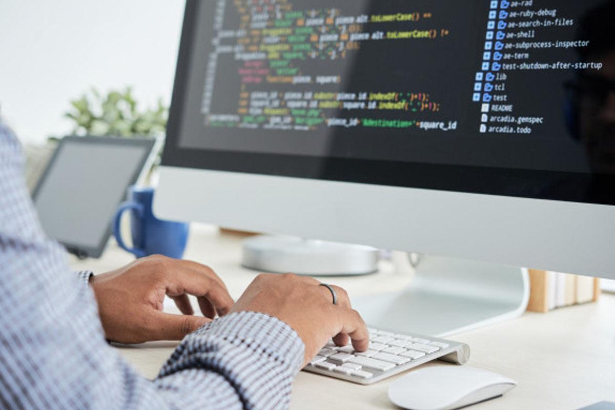 Yazılım Uzmanı