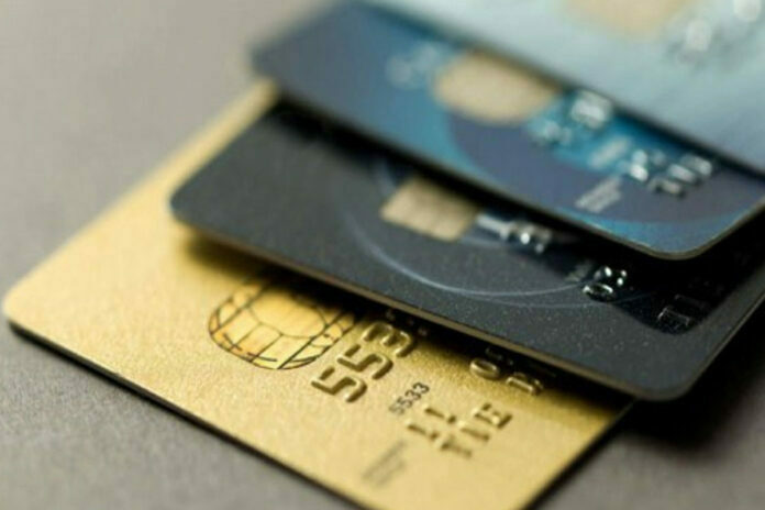 Rus Bankalarından Döviz Kurunu Anında Dönüştüren Kredi Kartı
